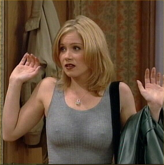 christina_applegate_biography_2